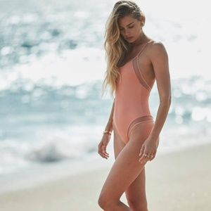 Tori Praver 'Belle' Ribbed One Piece Swimsuit NWT